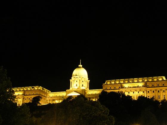 http://marinettedesign.do.am/Budapest/13357137_0cc6b624802d15b1c97fde50c86d8588_m.jpg
