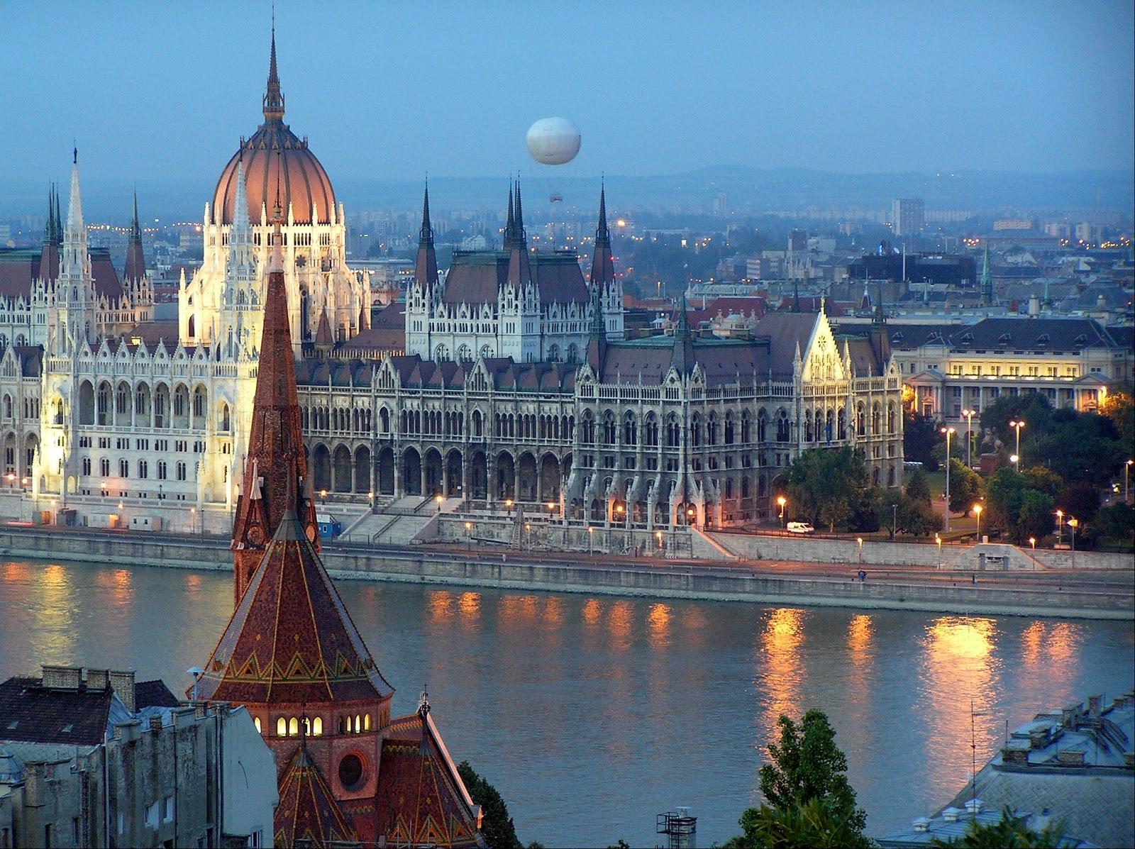 http://marinettedesign.do.am/Budapest/bpkepek/Budapest-4.jpg