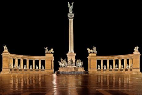 http://marinettedesign.do.am/Budapest/hosok-tere-heroes-square.jpg